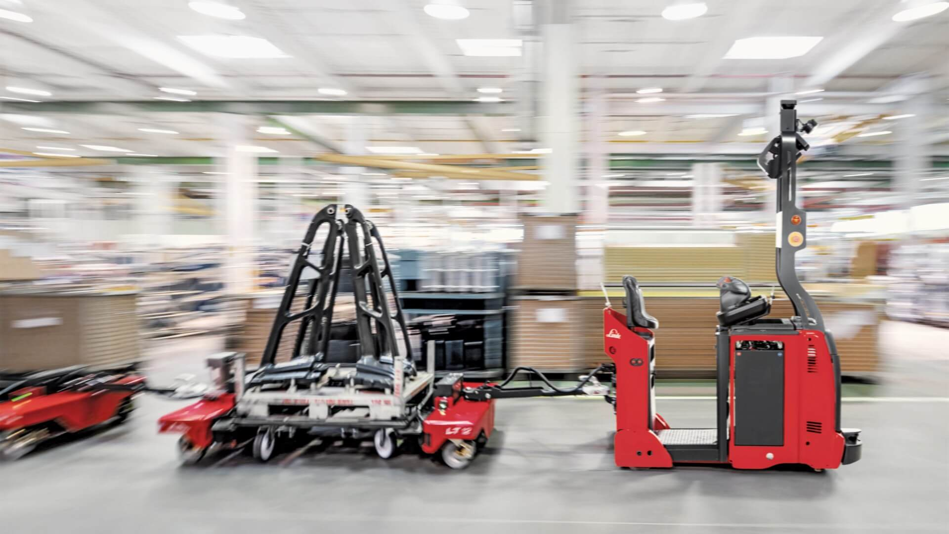 Automated tow truck of Linde-MATIC series