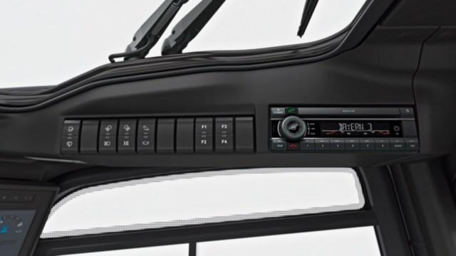 Дизельные и газовые погрузчики Linde H20-35 – серия 1202 - картинка 5_ic_truck-h20_h35-1202-h30-controls-00017_16x9w640.jpg